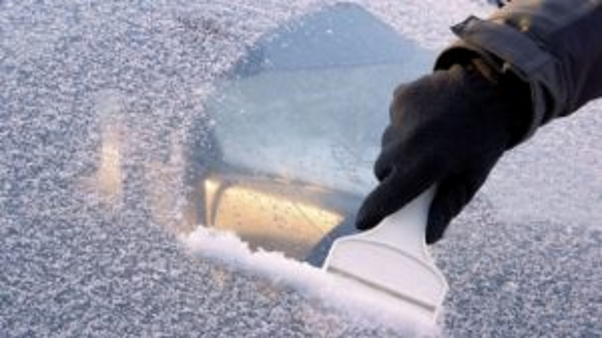 Here's How To Eliminate Frost Off Your Windshield In Only 60 Seconds