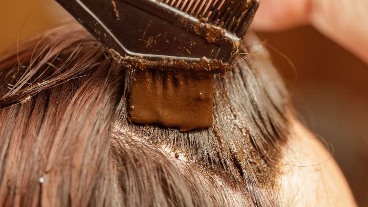 Tips for hiding gray and white hair